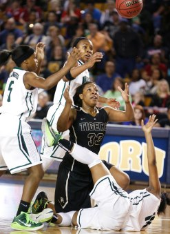 Broken Arrow No. Muskogee No. during the class 6A girls state basketball title game at the ORU Mabee center fin Tulsa, Okla., taken on March 14, 2015. JAMES GIBBARD/Tulsa World